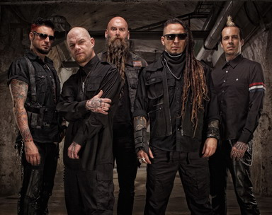 http://vampster.com/images/gallery2/FIVE_FINGER_DEATH_PUNCH_Promobild_2015 (c) Five Finger Death Punch