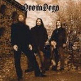 DOOMDOGS: Re-Release des Debüts auf Vinyl