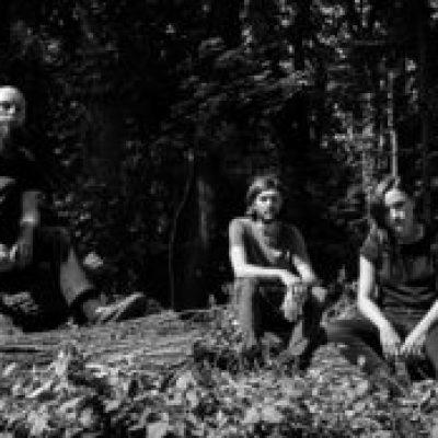 ESBEN AND THE WITCH: Song vom kommenden Album online