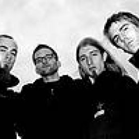 WORLD TO ASHES: mit Deal, Bassist und EP