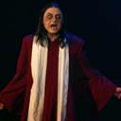WOLF: Nick Olsson im Musical