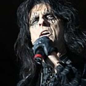 ALICE COOPER: Songausschnitte aus ´Along Came A Spider´ online