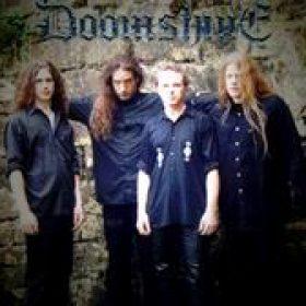 DOOMSHINE: Vertrag bei Massacre Records