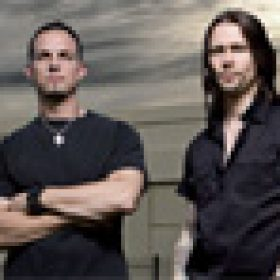 "ALTER BRIDGE: ""Fortress"" – Musikvideo zu ""Addicted To Pain"""