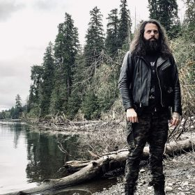 "ABIGAIL WILLIAMS: Neues Atmospheric Black Metal Album ""Walk Beyond the Dark"""