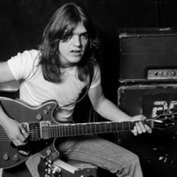AC/DC: Malcolm Young ist verstorben!