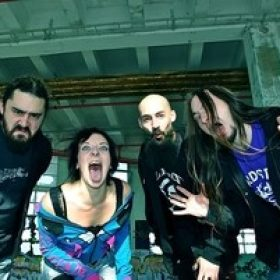 AKPHAEZYA: stellen Debütalbum zur Verfügung
