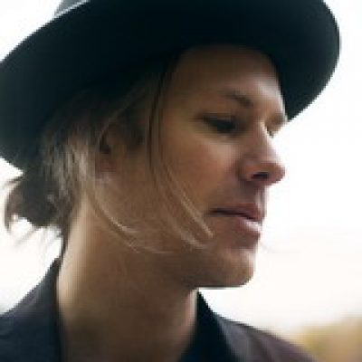 ALEXANDER DUREFELT: Singer/Songwriter aus Schweden