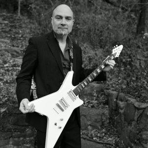 AMORIELLO: vom Metal bis Klassik – Gitarrist aus Leidenschaft