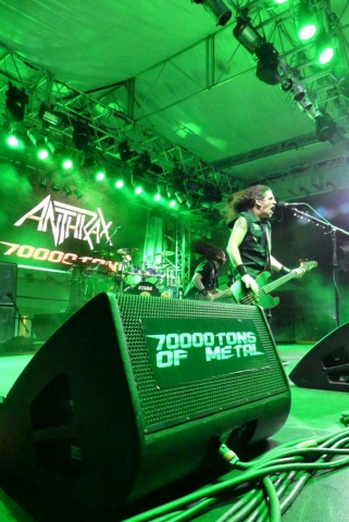 ANTHRAX_70000-tons-of-metal-2017-vampster_1