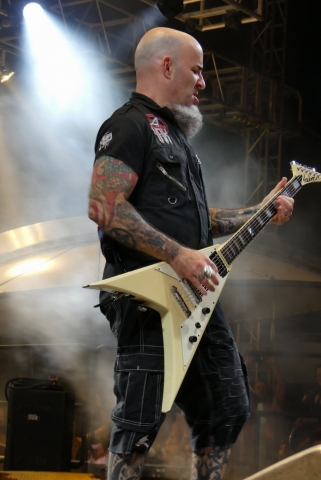 ANTHRAX_70000-tons-of-metal-2017-vampster_10