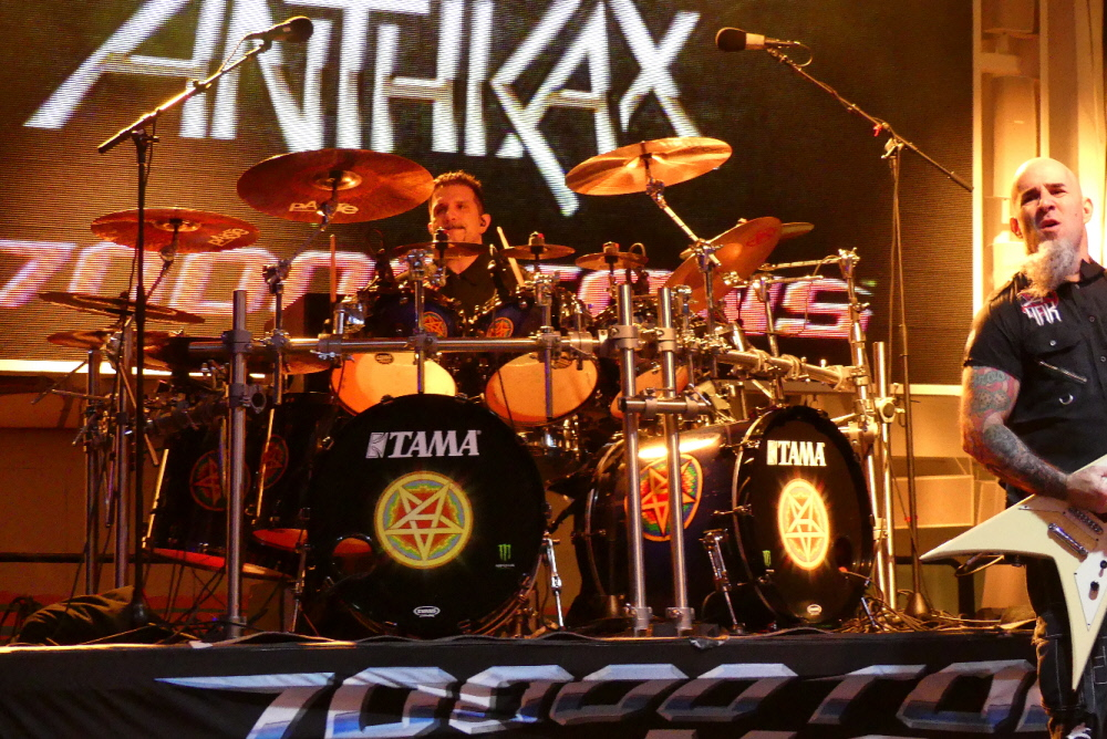 ANTHRAX_70000-tons-of-metal-2017-vampster_9