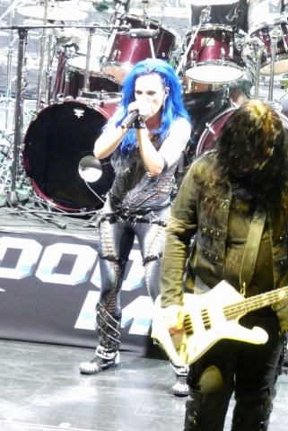 ARCH-ENEMY_70000-tons-of-metal-2017-vampster_14