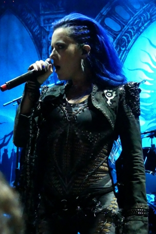 ARCH-ENEMY_70000-tons-of-metal-2017-vampster_4