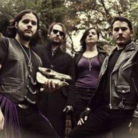 AKASAVA: präsentieren Track vom Debütalbum