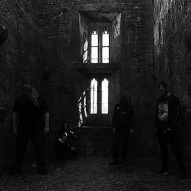 "CRIMSON THRONE: Video-Clip von Black Metal 7″-EP ""The Resilience Of Life & Death"""