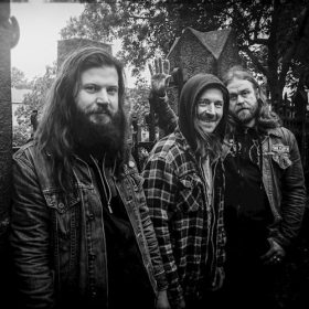 "FIREBREATHER: Neues Stoner Album ""Under a Blood Moon"" und Tour mit MONOLORD"