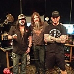 HELLYEAH: neues Album kommt Ende April