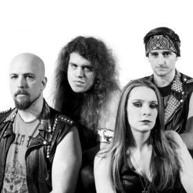 "IRON KINGDOM: Neues Heavy Metal Album ""On the Hunt"""