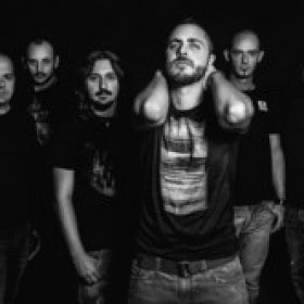 "KINGCROW: Video-Clip zu ""The Moth"""