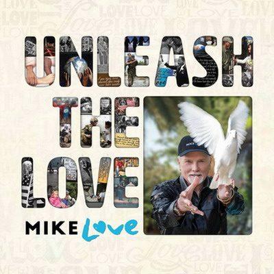 MIKE LOVE: Beachparty unterm Weihnachtsbaum