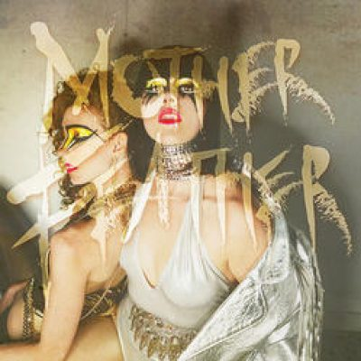 "MOTHER FEATHER: Video-Clip zu ""Living, Breathing"""