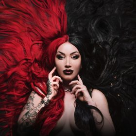 "NEW YEARS DAY: Video zum Song ""Shut Up"" vom Album ""Unbreakable"""