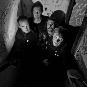 "ROTTEN MIND: Neues Punk Rock Album ""Rat City Dog Boy"" übers Stadtleben in Uppsala"
