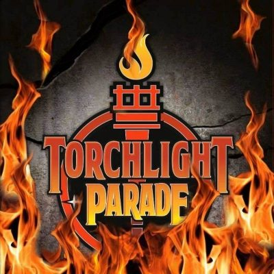 "TORCHLIGHT PARADE: debütieren mit Heavy Metal Album ""Torchlight Parade"""