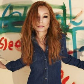 "TORI AMOS: Bonus-Song ""Honey"" online"