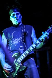Gitarrist und Songschreiber Jon Misery (MISERY)