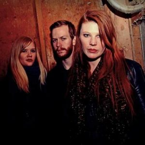 "THE WHITE SWAN: streamen Track von ""The White""-EP"