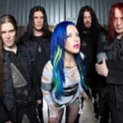 "ARCH ENEMY: Video zu ""No More Regrets"""