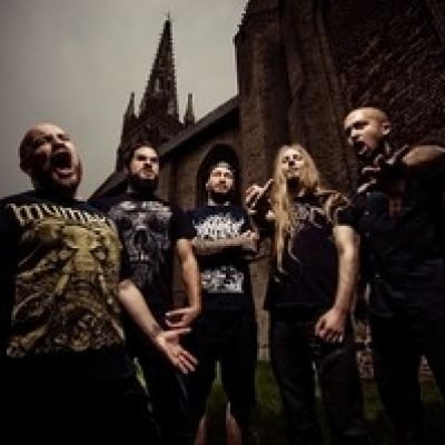 BENIGHTED: Fixes Line-Up und Live-Album
