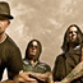 FIVE FINGER DEATH PUNCH: Video & Tour