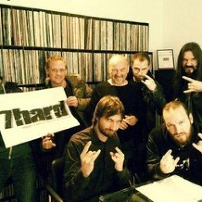 FORTY SHADES: unterschreiben Plattenvertrag