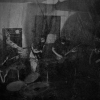 """HOPE DRONE: kündigen Relapse-Debüt """"Cloak Of Ash"""" mit Track an"""