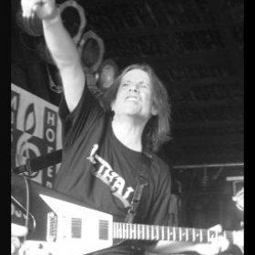 LETHAL: Gitarrist Eric Cook ist tot