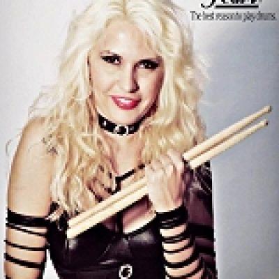 NERVOSA: neue Schlagzeugerin; Debütalbum 2013