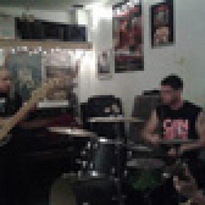 SLOUGH FEG: neuer Schlagzeuger
