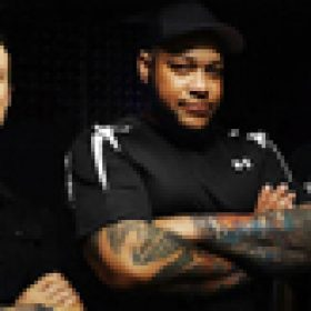 DEVIL YOU KNOW: neue Band um Howard Jones