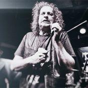 voivod_denis-snake-belanger Konzertfoto Live-Pic